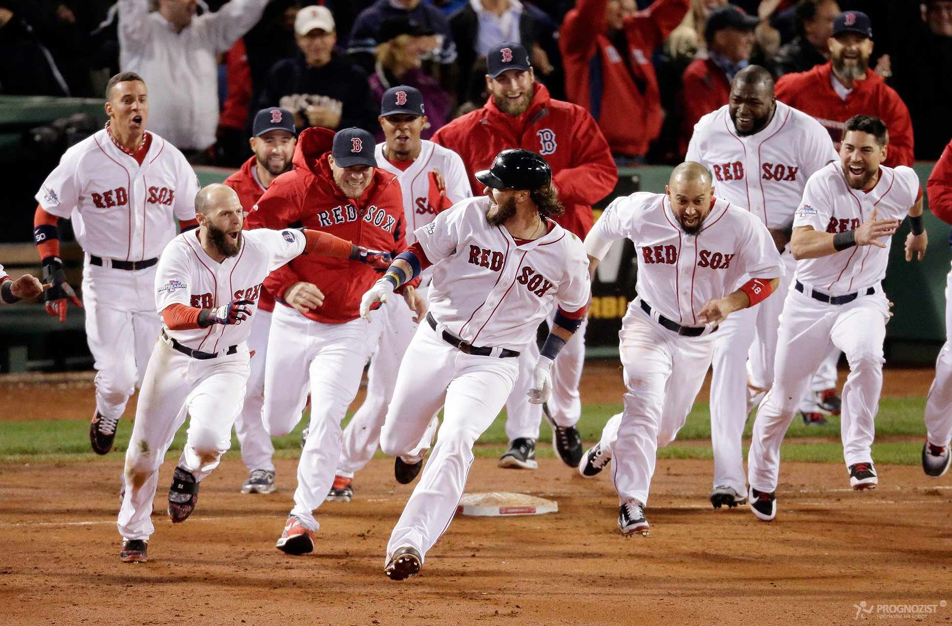 Les Red Sox de Boston Boston Red Sox en anglais sont une franchise de baseball de la Ligue majeure de baseball située à Boston Massachusetts Dans le milieu